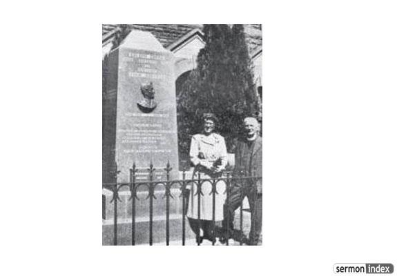 Evan Roberts Memorial